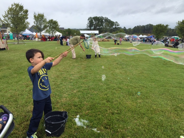 The center of the event was left to the kiddos to play, run, jump, create and bubble it up.